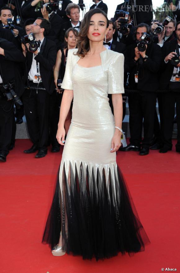 """Elodie Bouchez lors de la montée des marches pour le film """"Sur la Route"""" de Walter Salles le 23 mai."""