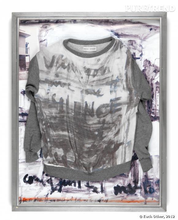 Alizé Meurisse pour Each Other, sweat shirt imprimé. Présentation encadrée réalisée par Each Other Alizé Meurisse, © Each Other, 2012