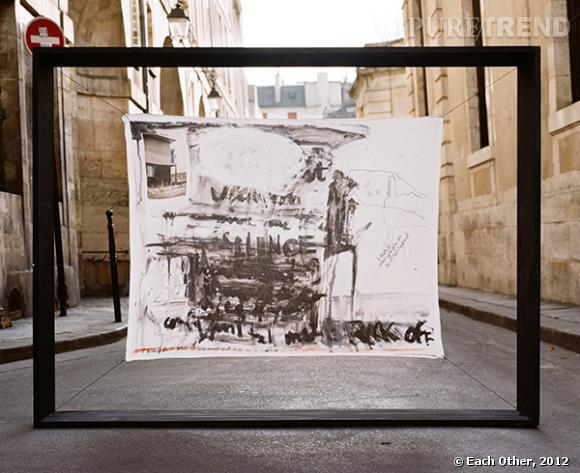 Alizé Meurisse pour Each Other Foulard en soie imprimée, 100% crêpe de chine  (foulard Alizé Meurisse, photographe Simon Schwyzer © Each Other, 2012)