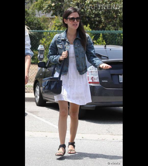 Robe blanche veste jean