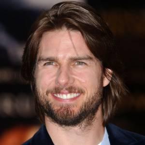 Un peu plus tard cette même année, l'acteur se laisse vivre de plus en plus. Ses cheveux, comme sa barbe, ont poussé. Que ce soit pour un rôle ou pour changer, la plupart des comédiens passent par ce moment d'égarement. Avec plus ou moins de succès.