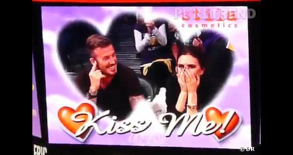 Quelle meilleure victime pour la Kiss Cam que Victoria Beckham, la reine de Glace ?