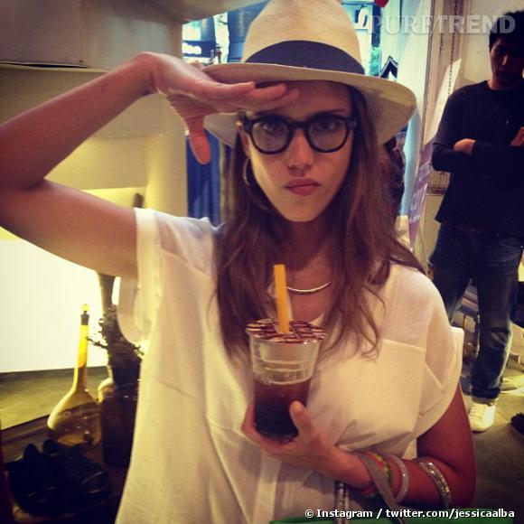 Jessica Alba nous dévoile son côté très fun avec 26 clichés pris pendant son séjour à Shanghai.