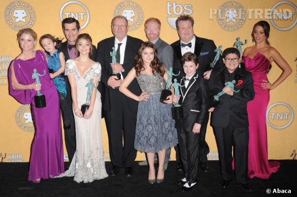 """Le casting de """"Modern Family"""" veut sa part du gateau, même si ça veut dire retarder le tournage de la saison 4"""