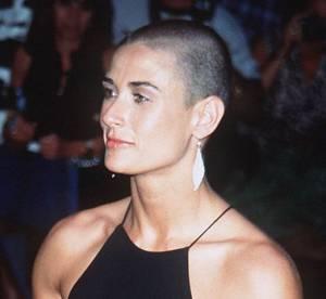 La coiffure culte de la semaine : le crâne rasé de Demi Moore - 1996