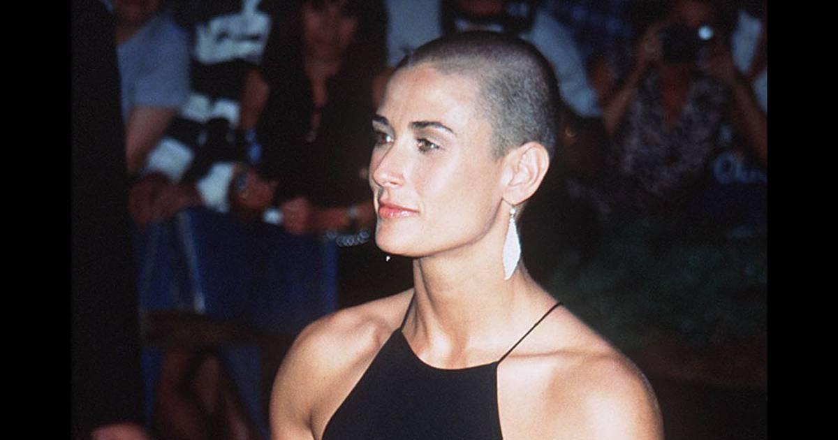La coiffure culte de la semaine : le crâne rasé de Demi ... Charlize Theron Son