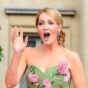 """J.K Rowling le sait, son prochain livre est très attendu par les fans. Elle craint donc un acte de """"piratage"""" !"""
