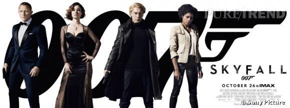 """Le nouveau poster promotionnel de """"Skyfall"""" présente les personnes principaux : James Bond, Séverine, Raoul Silva et Eve."""
