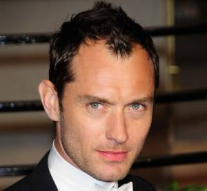 Jude Law, John Travolta, Marc Jacobs : de si beaux implants...