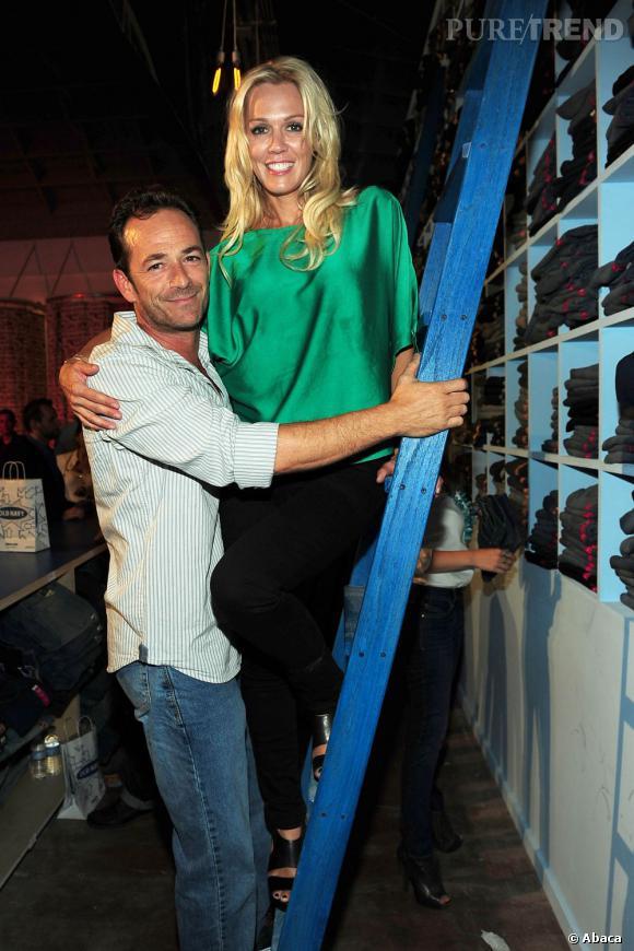 """Jennie Garth et Luke Perry, les héros de la série """"Beverly Hills""""."""
