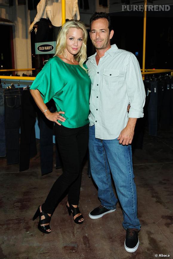 Jennie Garth et Luke Perry à la boutique Old Navy de Los Angeles.