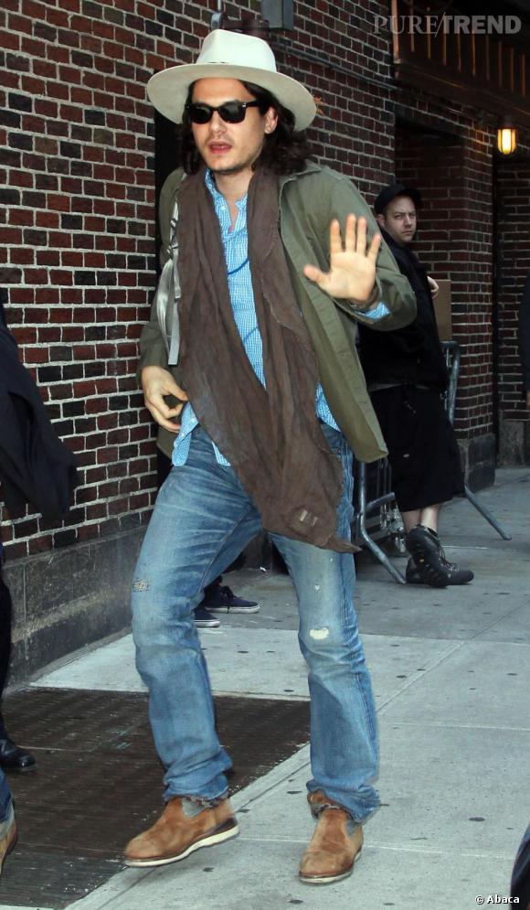 La bonne résolution de John Mayer :  Arrêter les histoires sans lendemain. Oui, lui aussi ! A croire qu'il aime passer pour le goujat d'Hollywood !