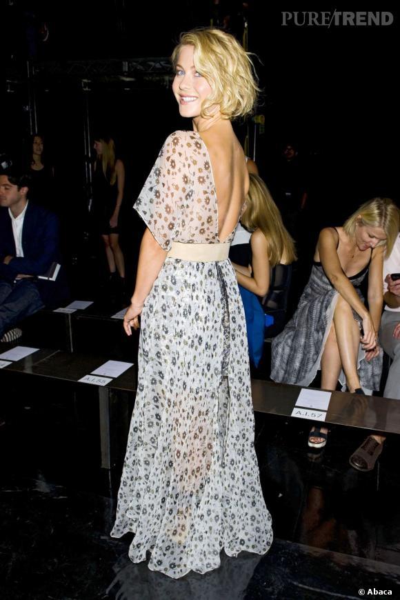 Julianne Hough dans une robe légère au défilé Theyskens' Theory.