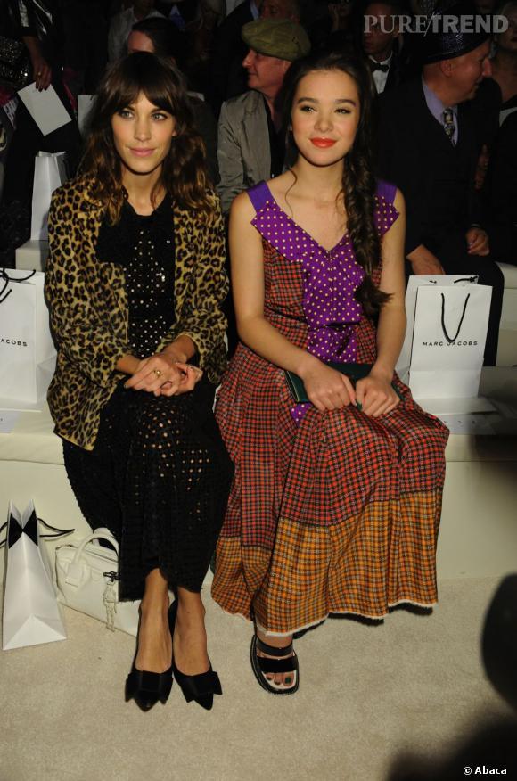 Alexa Chung et Hailee Steinfeld en front row du défilé Marc Jacobs.