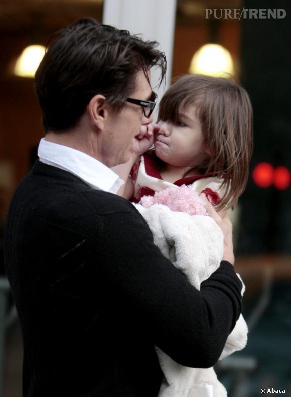 Suri Cruise, 48 jours sans voir son père.