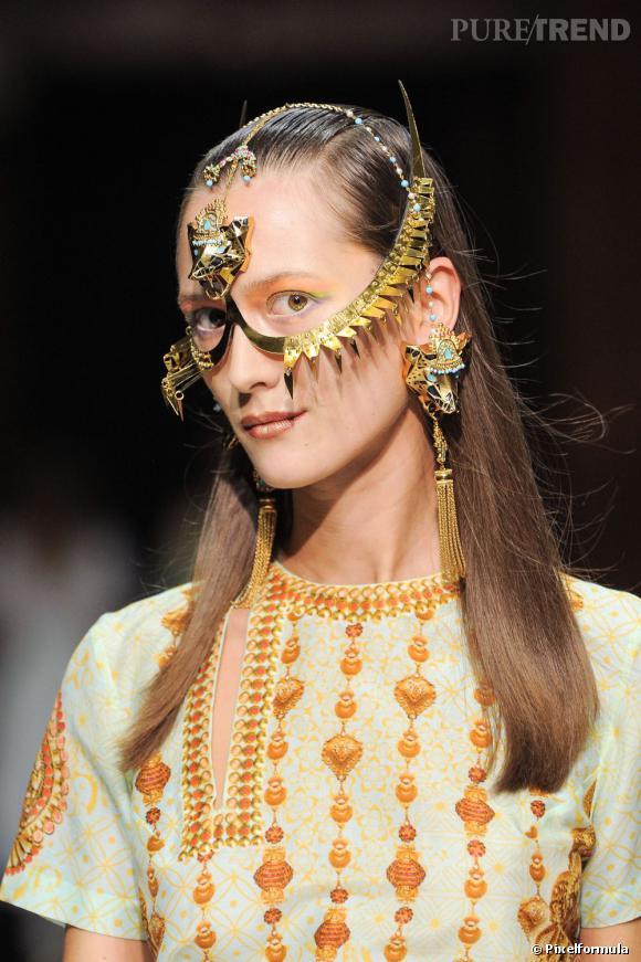 Les accessoires Bollywood     Défilé Manish Arora Printemps-été 2013.