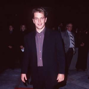 Matt Damon en 1997 adopte la chemise pourpre.