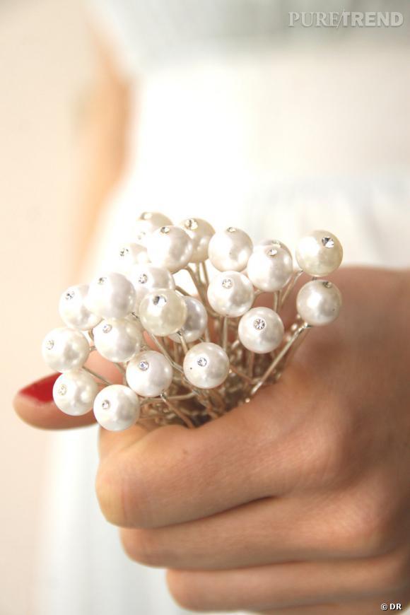 Etsy mariage      Pics de chignon perles nacrées par Little white Dresser     www.etsy.com/shop/littlewhitedresser