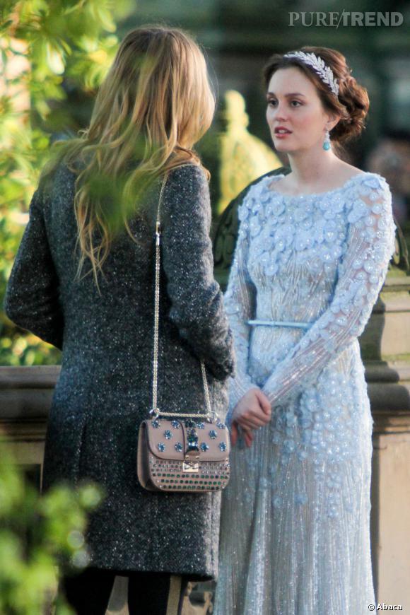 Magnifique dans une robe Elie Saab de la collection Printemps-Eté 2012, Leighton Meester donne la réplique à Blake Lively.
