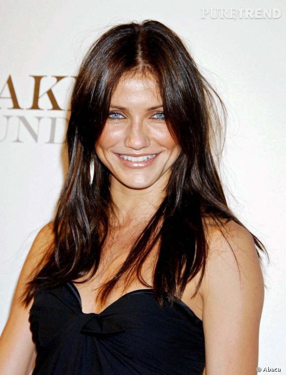 Le meilleur brun :  Il y a quelques années, Cameron Diaz s'est essayée au brun et force est de constater que cette couleur lui allait bien ! La blonde californienne se fait piquante en brune.