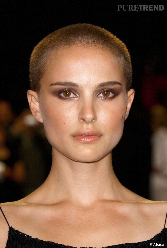 Le meilleur crâne rasé :  Qui d'autre que Natalie Portman pourrait rendre l'ultra-court sexy ? On ne voit que ses traits parfaits et son teint lumineux.