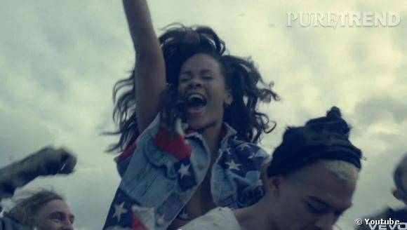 Rihanna a autant marqué la scène musicale avec ses chansons qu'avec ses clips vidéo, particulièrement travaillés.