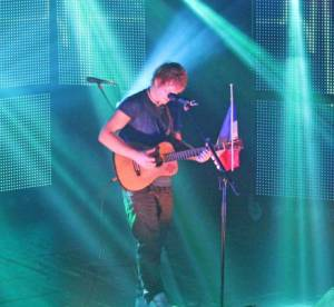 Ed Sheeran reprend les One Direction et triomphe au Trianon
