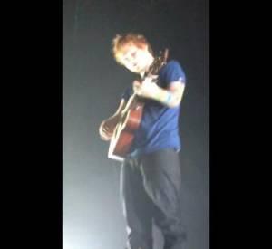 "Ed Sheeran chantant ""Little Things"" a cappella au Trianon le 18 novembre 2012"