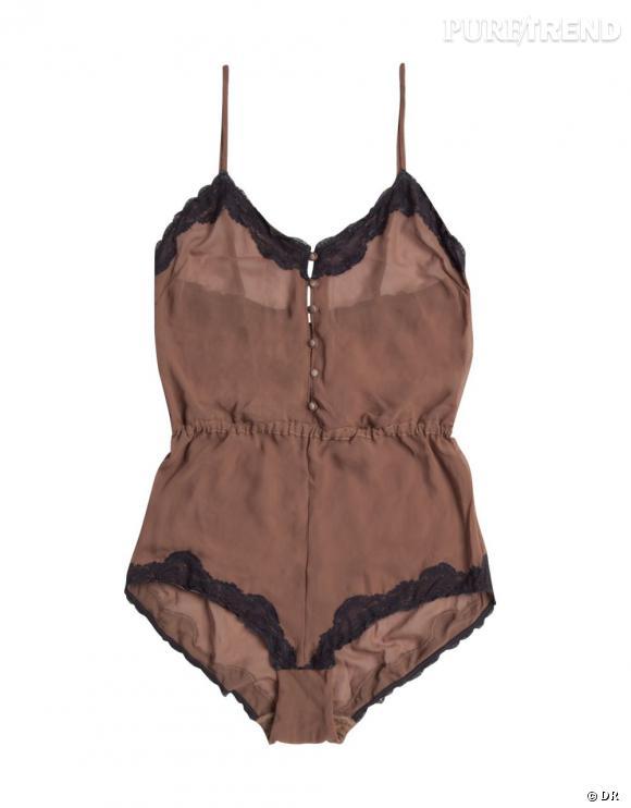 Sélection lingerie : dentelle noire délicate et sexy    Combinaison tulle dentelle Oysho, 29,99 €