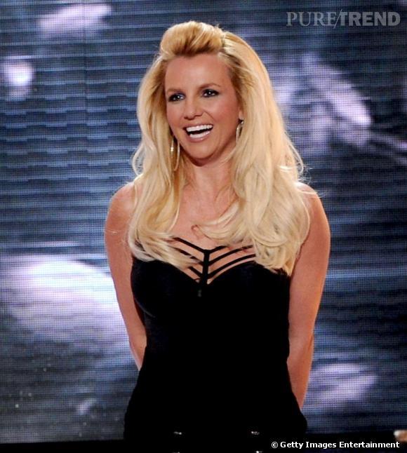 Britney Spears, jolies courbes sur le plateau de l'émission X Factor.
