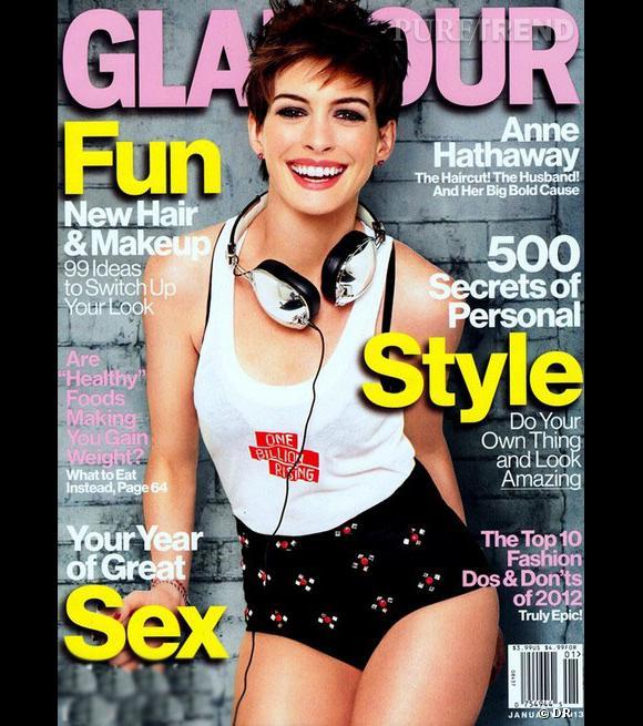 En Une de Glamour, Anne Hathaway est surprenante ! Mais peut-être trop Photoshoppée...