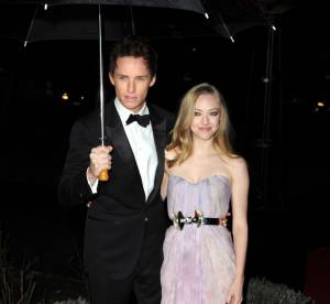Amanda Seyfried, en couple avec Eddie Redmayne au Sun Military Awards