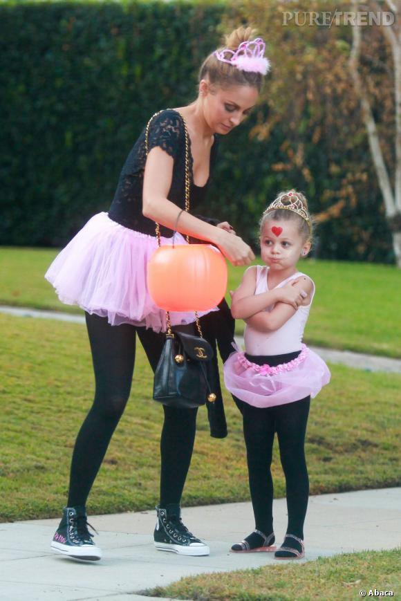 Nicole Richie et sa fille Harlow préfèrent porter le tutu... en même temps !
