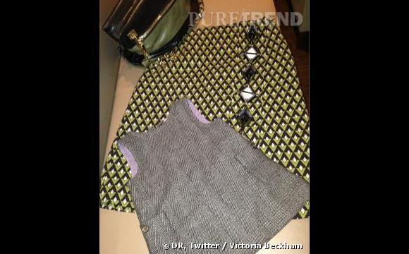 Victoria Beckham poste sur Twitter les photos de ses tenues avec sa fille Harper. Et elles sont toujours parfaitement bien assorties.