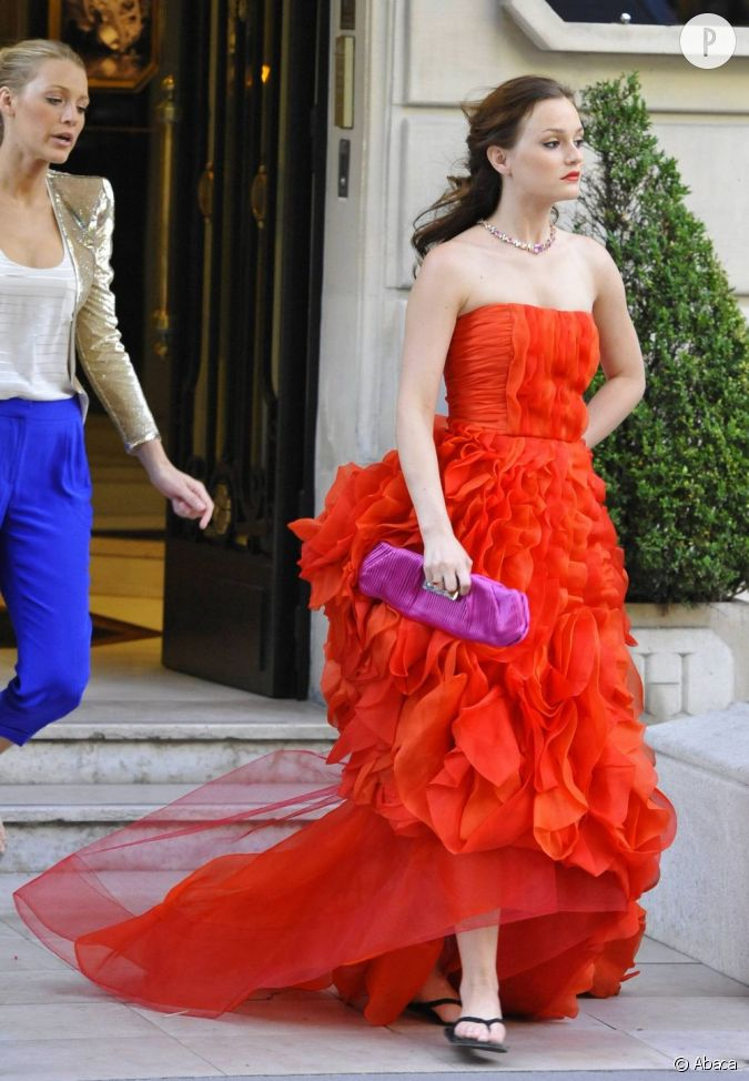 La robe bustier rouge de blair un must have on rep re for Se portent pour saluer