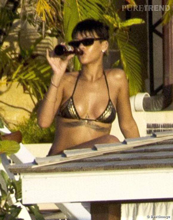 Rihanna en bikini à La Barbade.