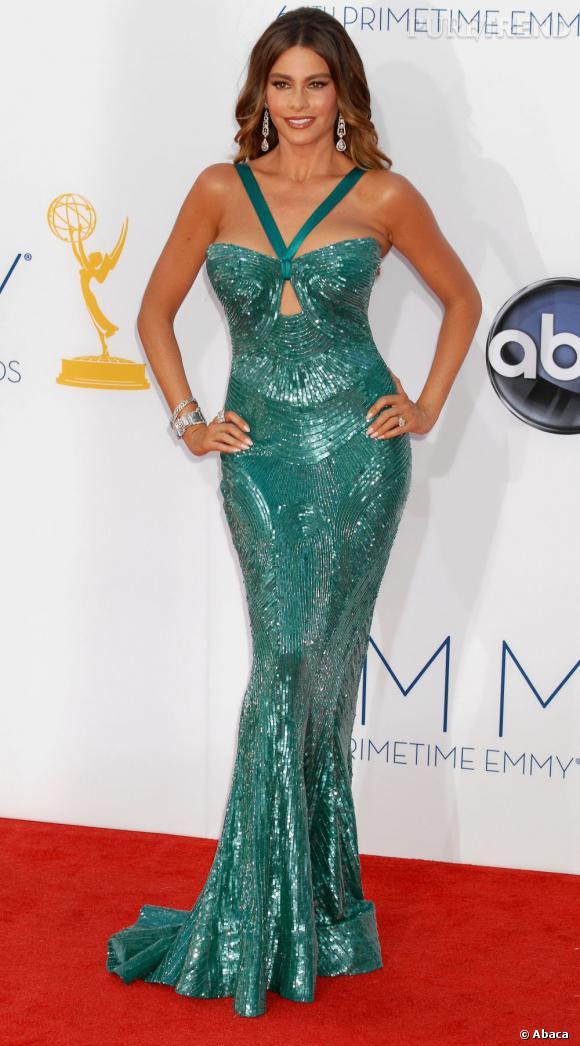 Sofia Vergara dans sa fameuse robe Zuhair Murad... qu'elle a craqué pendant les Emmy Awards!