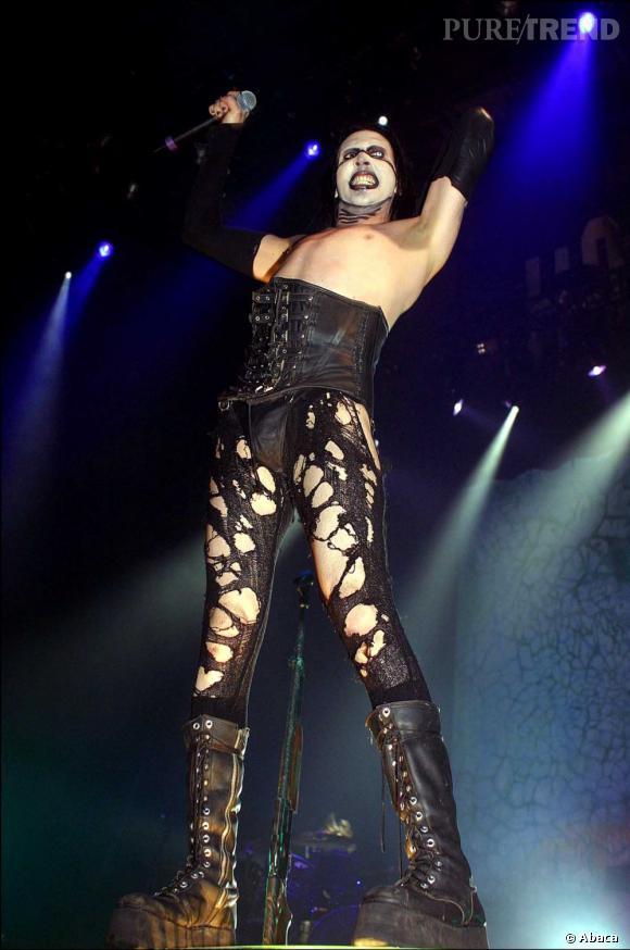 Marilyn Manson n'hésite pas à choquer en concert.