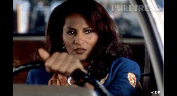 Jackie Brown interpretée par Pam Grier porte le volume XXL comme personne.