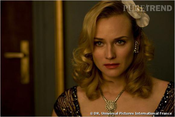 Diane Kruger joue le rôle de la star de cinéma Bridget Von Hammersmark dans  Inglorious Basterds . Quoi de plus normal donc qu'elle arbore donc une coiffure rétro des plus glamour qui aurait tout à fait sa place sur les tapis rouge.