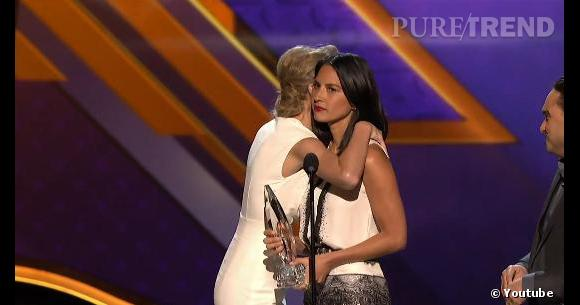 Taylor Swift et Olivia Munn lors des People's Choice Awards 2013