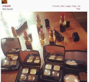"""Dans les coulisses des SAG Awards avec Twitter Jessica Paré (""""Mad Men"""") était maquillée en Chanel."""