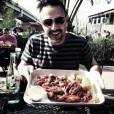 David Arquette au Super Bowl 2013 poste une photo sur Twitter de son repas avant les matchs.