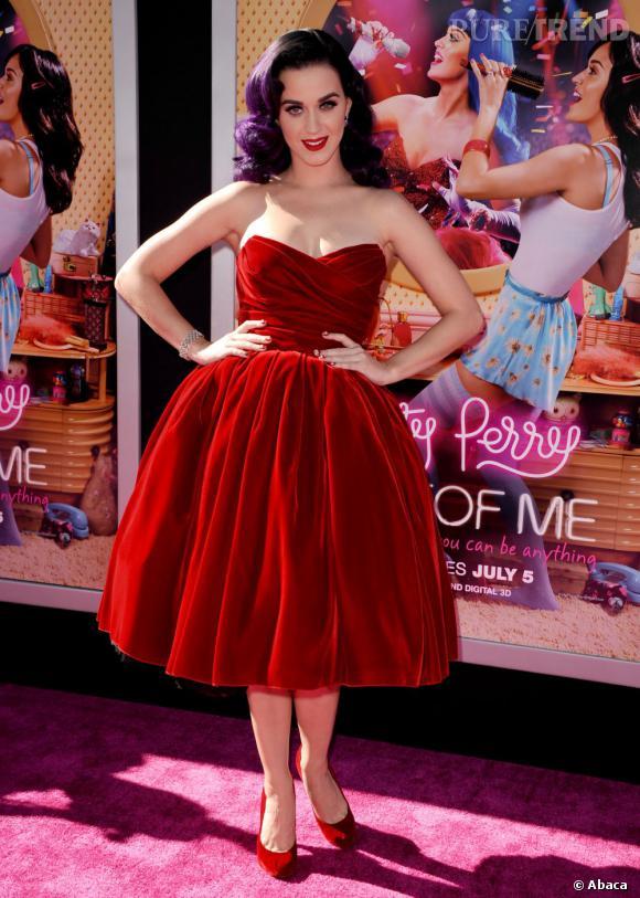 """Le top red carpet :  Katy Perry ressemble à une vrai diva rétro lors de l'avant-première de """"Part of Me 3D"""" à Los Angeles."""