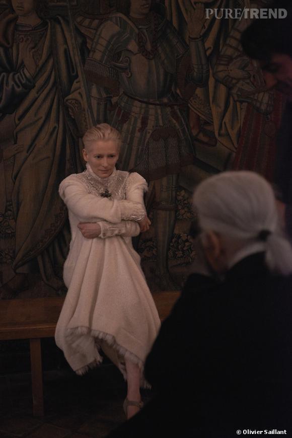Tilda Swinton est l'héroïne de la collection Métiers d'Art 2012/2013 Paris-Edimbourg Chanel.