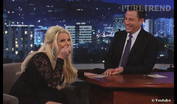 Jessica Simpson fait une bourde en direct sur le plateau de Jimmy Kimmel : elle avoue attendre un petit garçon !