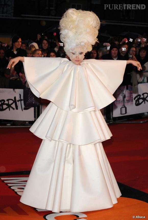 Quelle robe de mariée choisira Lady Gaga ? On peut s'attendre à tout.