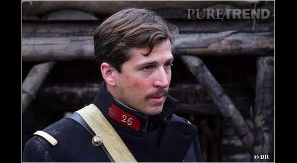 Il joue le Lieutenant Audebert, bien décidé à faire une trêve de Noël.