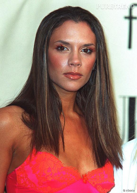 Après ses overdoses de terracotta, Victoria Beckham tente de se racheter une bonne conduite beauté.