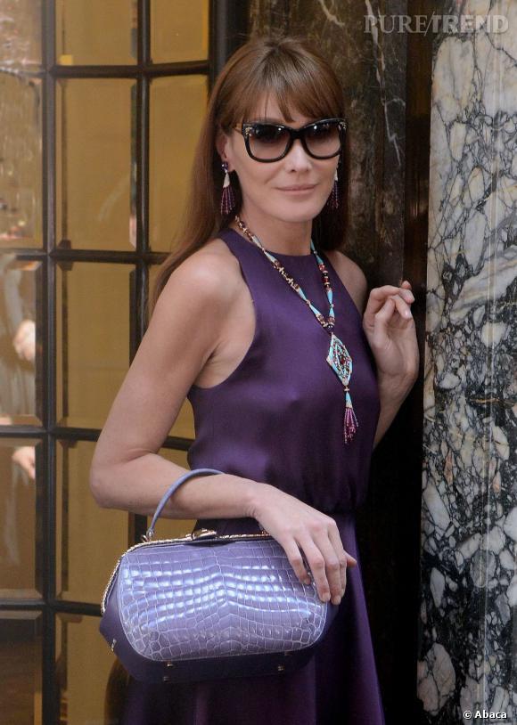 Carla Bruni en pleine séance photo pour la prochaine campagne Haute Joaillerie de Bulgari.